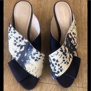 Guilhermina sandals fit size 8